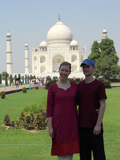 Chris and Mel in front of the iconic Taj Mahal